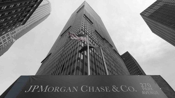 JP Morgan quiere un nuevo cierre de la economía luego de las elecciones