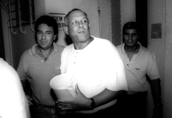 Yair Klein comparece en un tribunal israelí en 1989. Rachamim Shaul | La Biblioteca Nacional de Israel