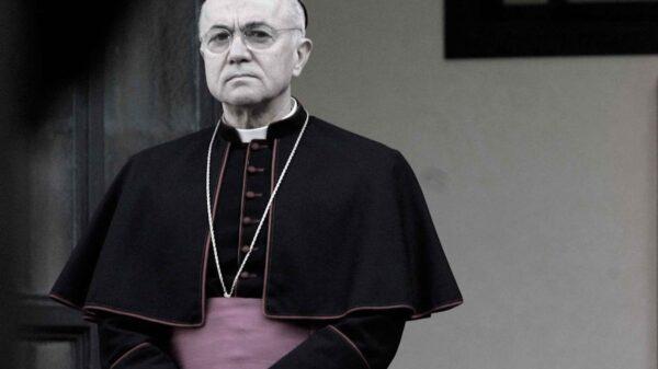 Entrevista con el Arzobispo Carlo Maria Viganò